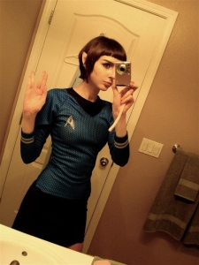 star-trek-tpol-lt_-saavik-cosplay-wars-vulcan-nerd-sexy